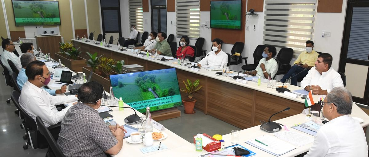 ग्रामीणों को राजस्व कार्यालयों में चक्कर लगाने से मिलेगा छुटकारा- मुख्यमंत्री