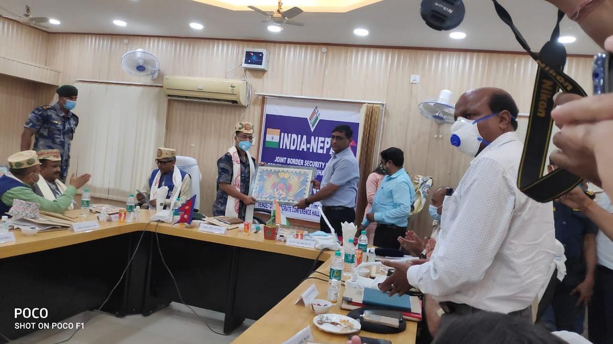 मधुबनी में भारत-नेपाल के वरीय पदाधिकारियों की संयुक्त बैठक, अपराधियों पर सख्त कार्रवाई का निर्णय