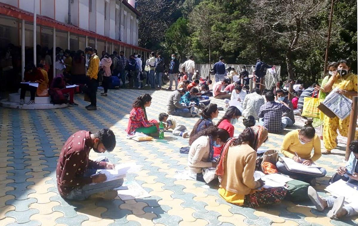 कुमाऊं विश्वविद्यालय में अभ्यर्थियों का मेला