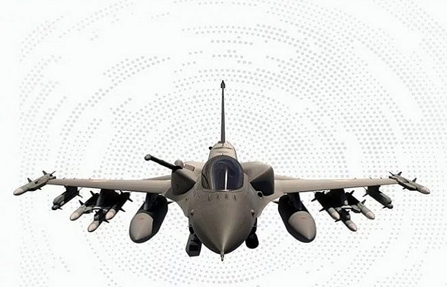 टाटा, अडानी और महिंद्रा में कौन बनाएगा एयरक्राफ्ट