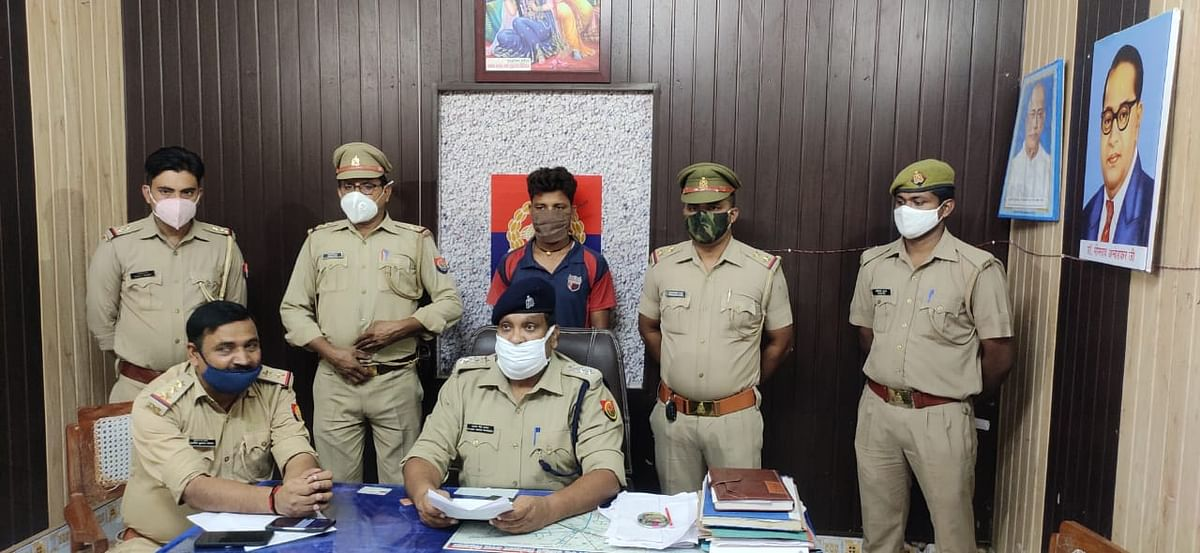 अवैध शराब से लदी पिकअप सहित एक तस्कर गिरफ्तार