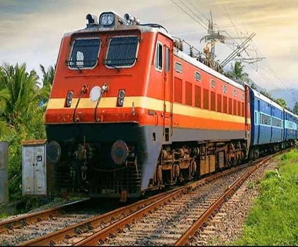 दशहरा एवं दीपावली के दौरान 8 जोड़ी त्योहार विशेष ट्रेनें चलाएगी पश्चिम रेलवे, बुकिंग 18 से