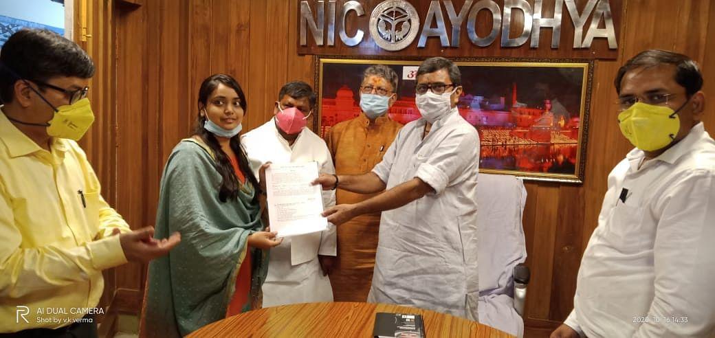 छात्रों को गुणवत्तापरक शिक्षा उपलब्ध कराना मुख्यमंत्री की सर्वोच्च प्राथमिकता : डॉ. नीलकंठ