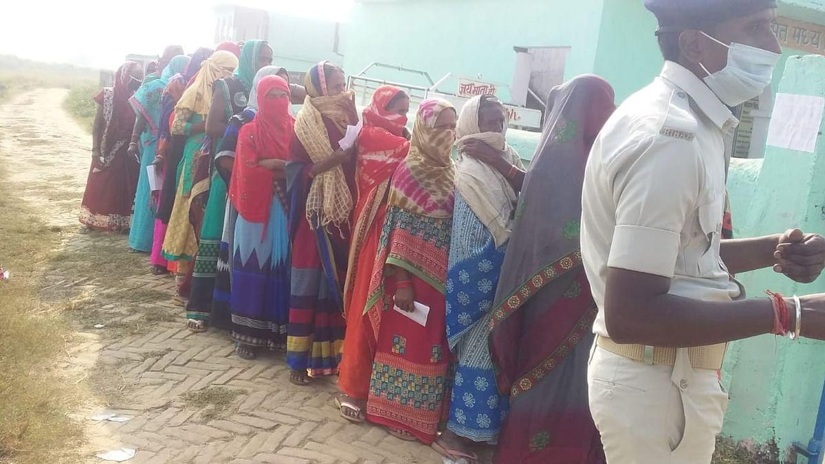 कैमूर में वोटिंग के चौथे घंटे रामगढ़ सबसे आगे,21 फीसदी वोटिंग