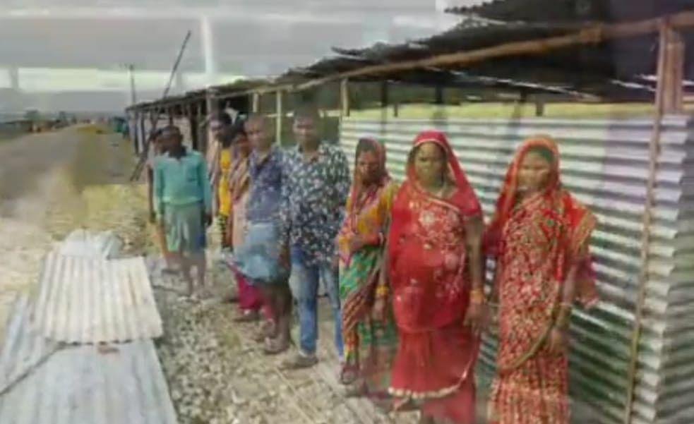 बाढ़ से विस्थापितों की मांग पर जांच का आदेश