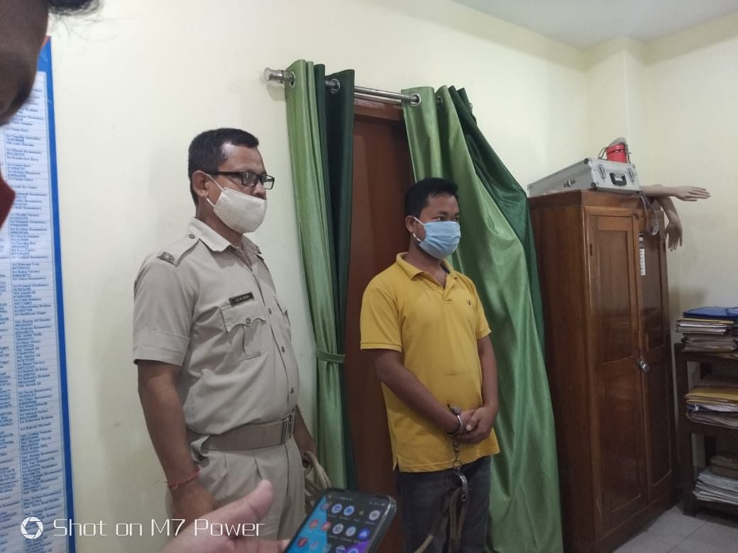 हथियार डीलर एवं नकली रुपये के कारोबार में शामिल दो व्यक्ति गिरफ्तार