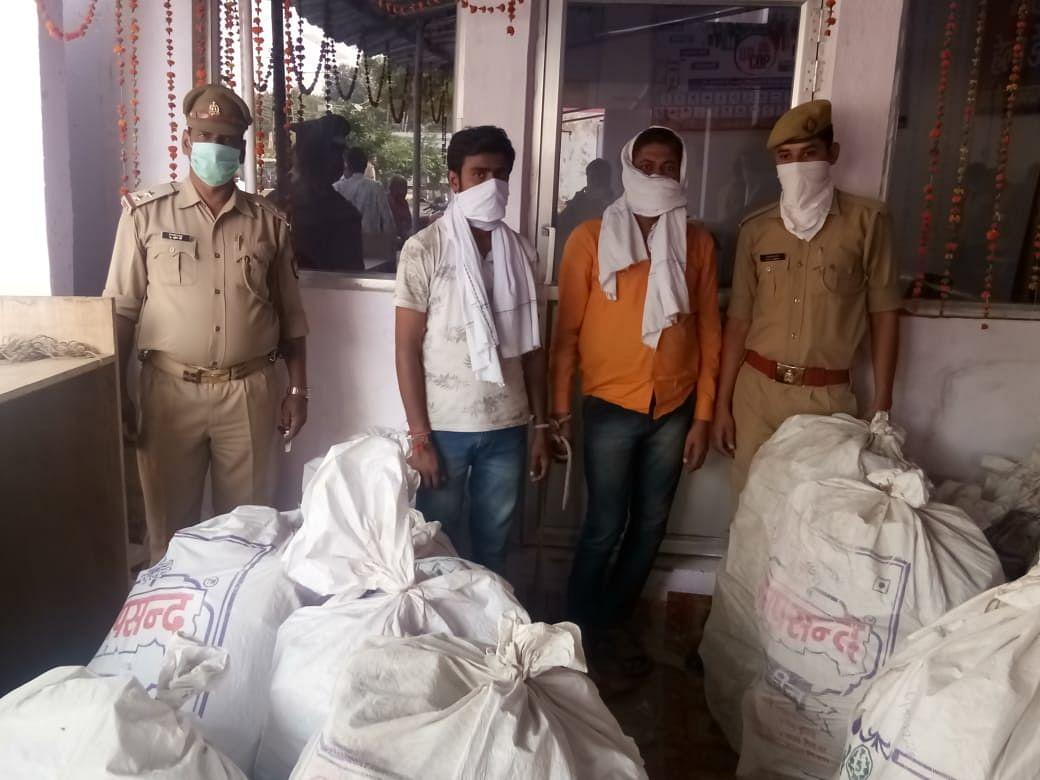 पुलिस ने अवैध पटाखा गोदाम में मारा छापा, भारी मात्रा में विस्फोटक सामग्री बरामद