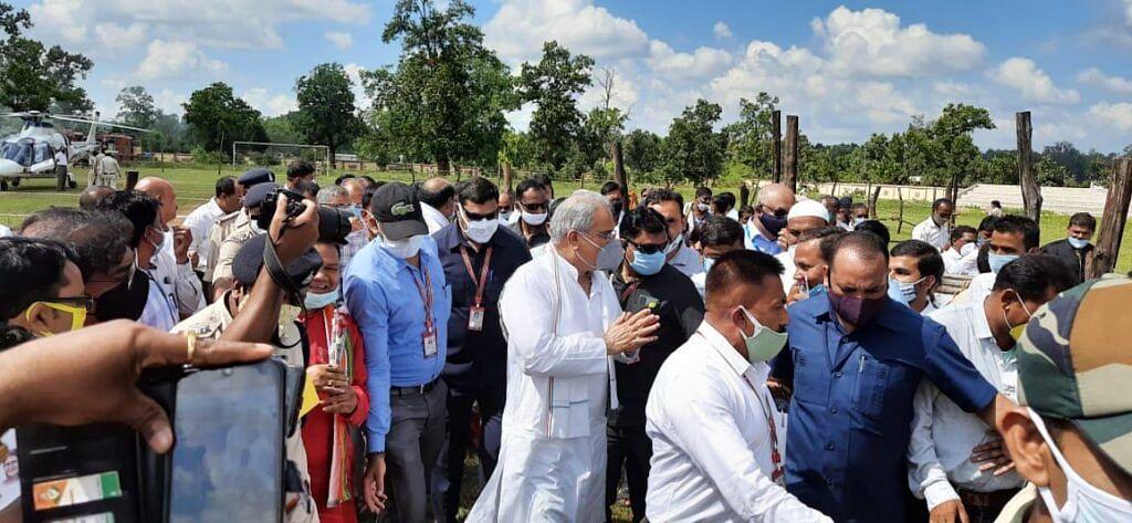 मुख्यमंत्री बघेल संक्षिप्त प्रवास पर पसान पहुँचे