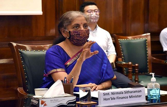 वित्त मंत्री ने कहा, सीपीएसई अपने पूंजीगत व्यय का 75 फीसदी दिसम्बर तक करें खर्च