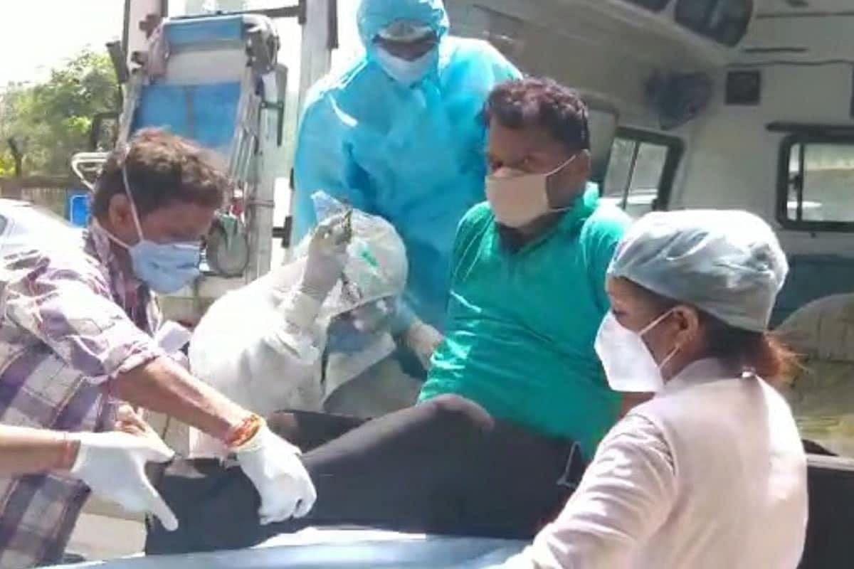 कोरोना संक्रमित शिक्षा मंत्री चेन्नई के एमजीएम हॉस्पिटल के लिए रवाना