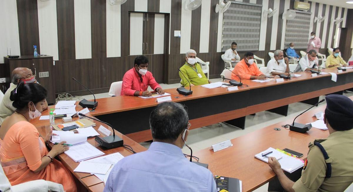 सीतापुर: जनप्रतिनिधियों से बेहतर समन्वय स्थापित कर लागू करें योजनाएं - मंत्री स्वाती सिंह
