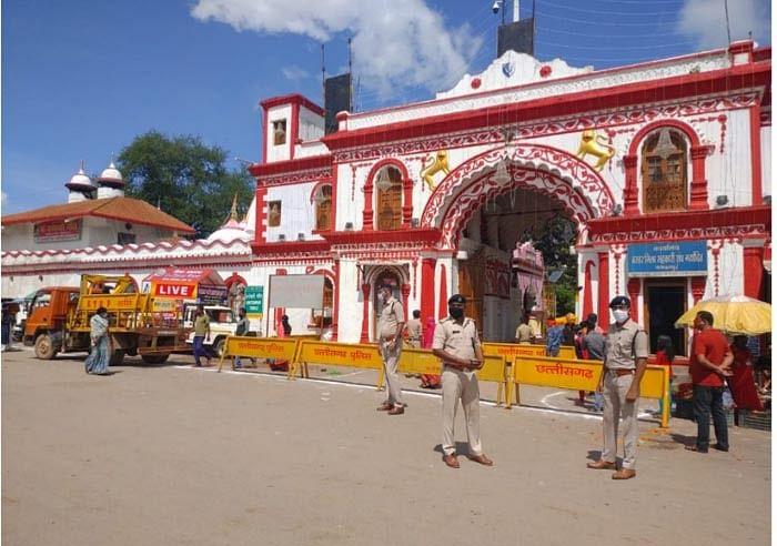 नवरात्रि में दंतेश्वरी में मंदिर श्रद्धालुओं के लिए प्रवेश वर्जित रहा