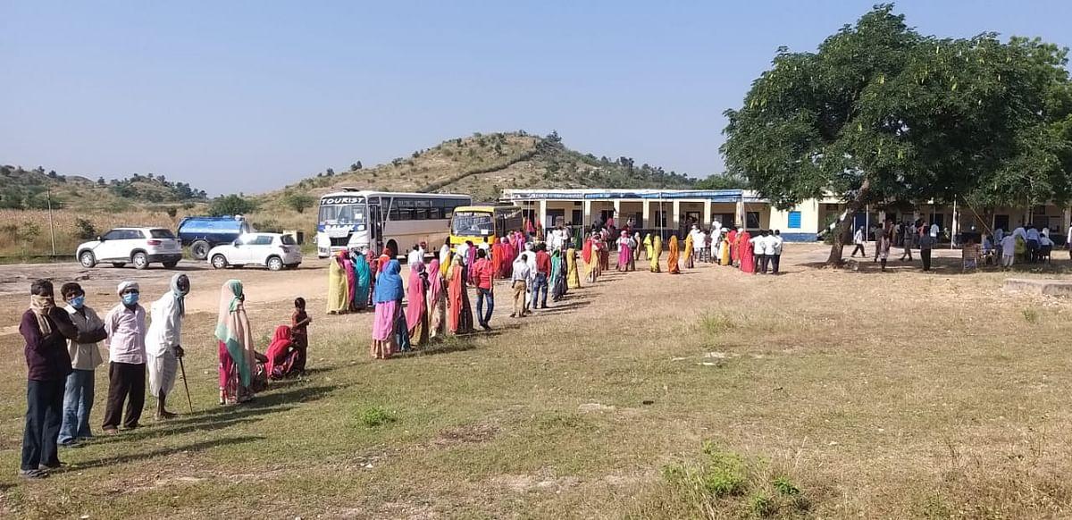 उदयपुर: अपनी सरकार चुनने के लिए उमड़ा उत्साह, 75 प्रतिशत से ज्यादा वोटिंग