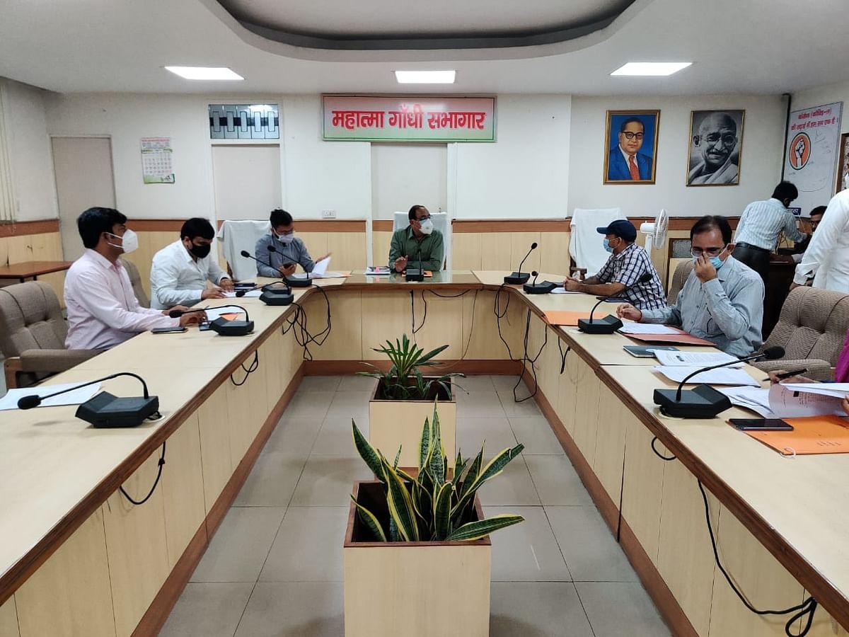 जिले में 19 अक्टूबर से नौ से 12वीं तक के स्कूल :डॉ अजय शंकर पांडेय