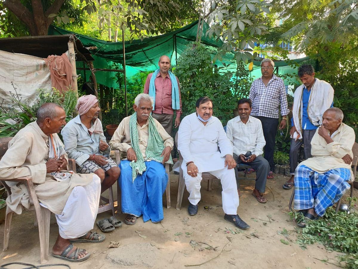 ट्रांसपोर्ट नगर योजना के विरोध में मोहनसराय किसान संघर्ष समिति कोर कमेटी ने की बैठक