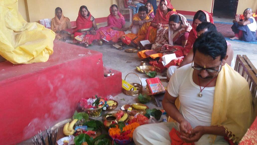कलश स्थापना के साथ खूंटी में शारदीय नवरात्र शुरू