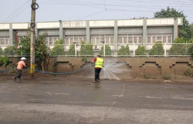 प्रदूषण फैलाने वालों के खिलाफ उत्तरी दिल्ली निगम ने की कार्रवाई