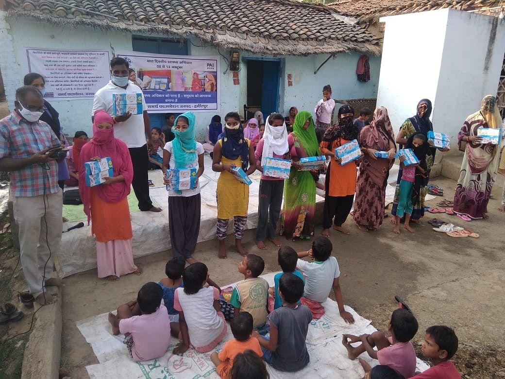 परिवार नियोजन संसाधनों तक सबकी होनी चाहिये पहुंच :  गांधी