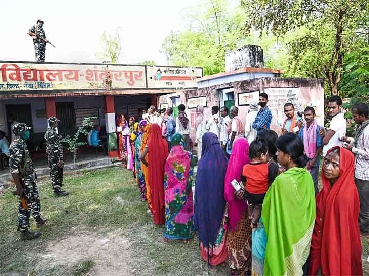 बिहारः पहले चरण की 71 विधानसभा सीटों पर 53.54 फीसदी मतदान
