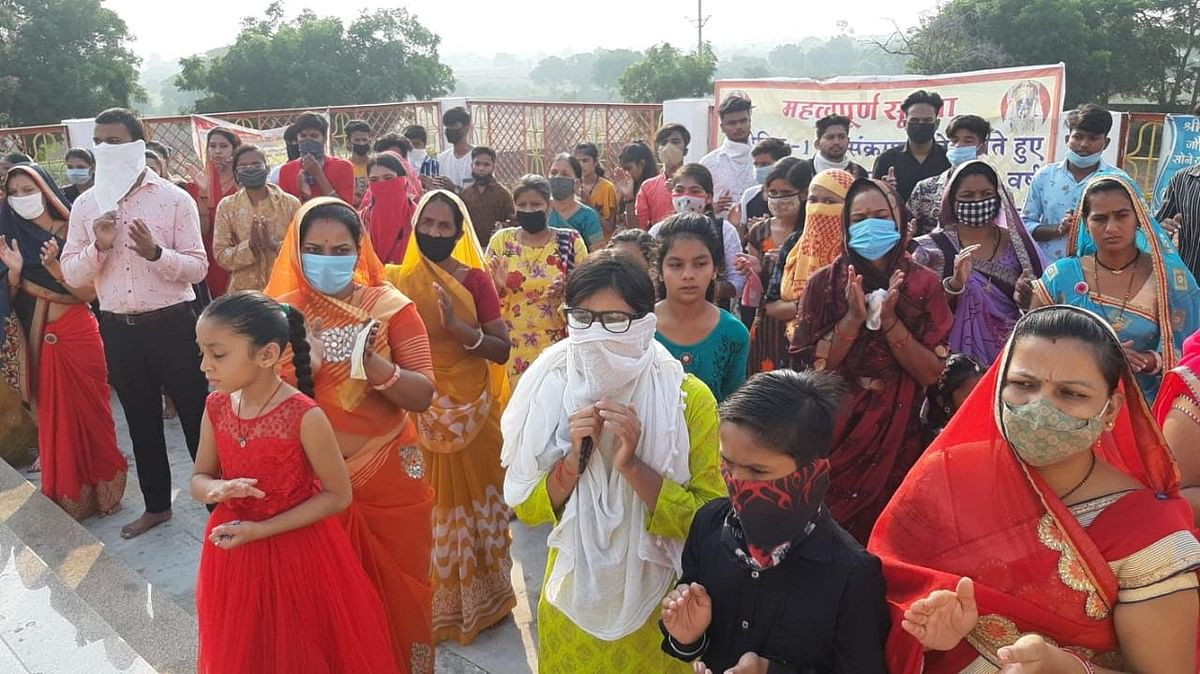 नवरात्रि में मां नालछा के दरबार में लग रही है भक्तों की भीड