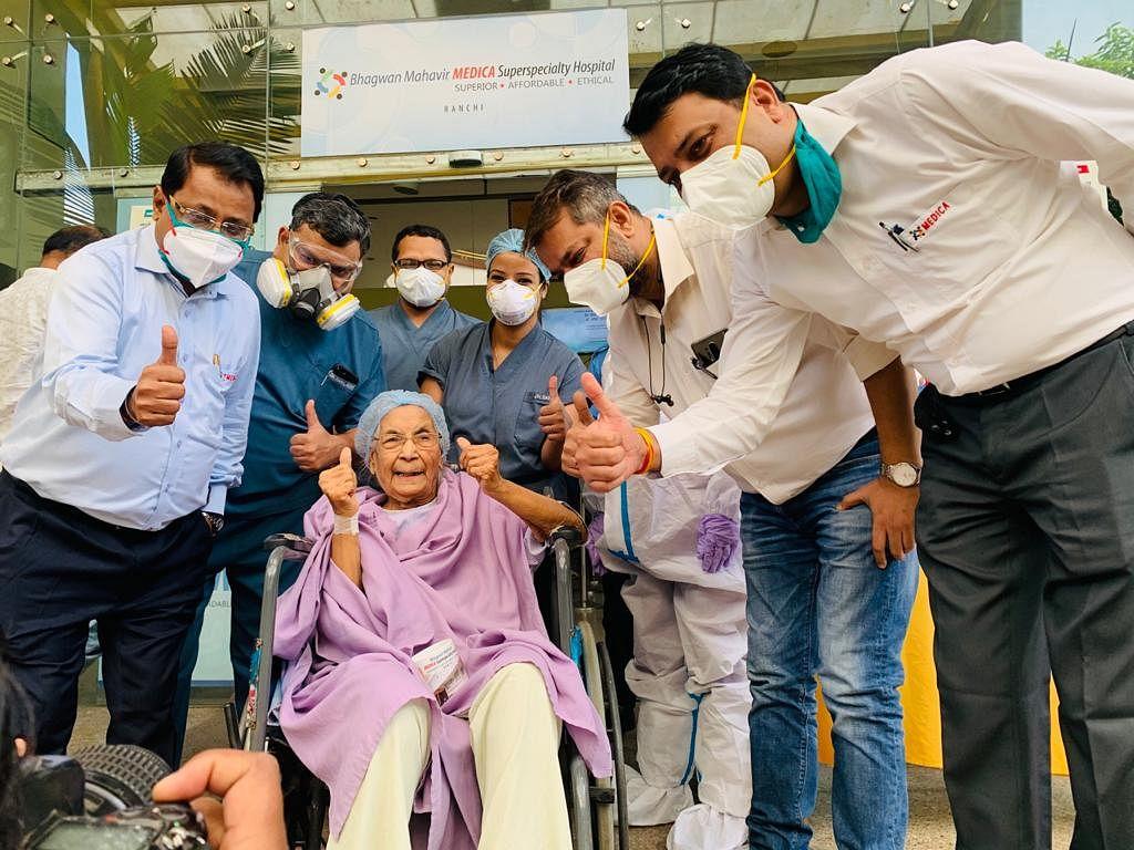 मेडिका में 90 साल की महिला ने दी कोविड को मात