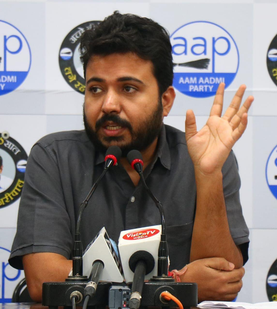 एमसीडी कर्मचारियों की सैलरी मामले पर आप नेता दुर्गेश पाठक ने भाजपा पर बोला हमला