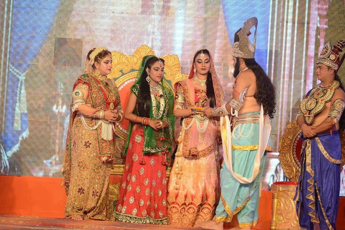 अयोध्या : वर्चुअल रामलीला में फिल्मी सितारे दे रहे प्रस्तुति, भावपूर्ण मंचन से आनंदित हुए दर्शक