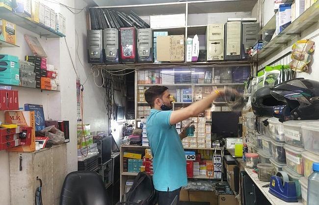 डेंगू के खिलाफ अभियान के सातवें सप्ताह में दुकानदारों ने लिया हिस्सा