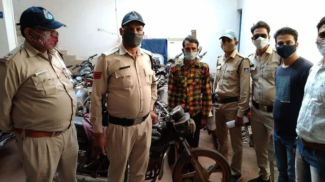 शिवपुरी पुलिस ने पकड़ा बाइक चोर गिरोह, 6 बाइक बरामद