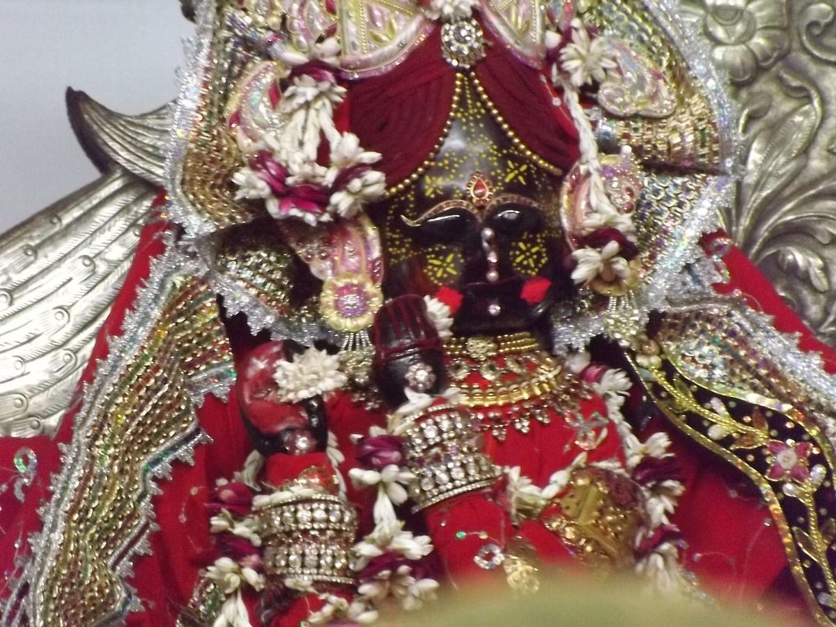 आरती: श्री बांके बिहारी तेरी आरती गाऊं - Aarti: Shri Banke Bihari Teri Aarti Gaun