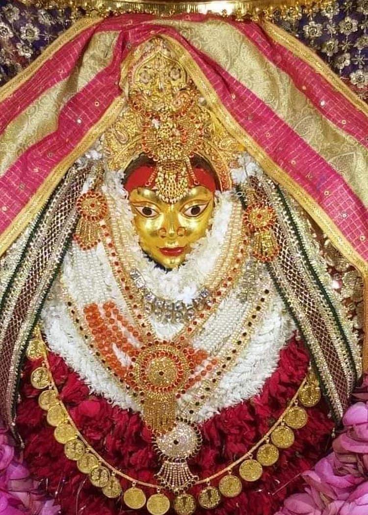 शारदीय नवरात्र: चौथे दिन कूष्मांडा दरबार में श्रद्धालुओं का रेला, वंश वृद्धि, सुख शान्ति के लिए गुहार