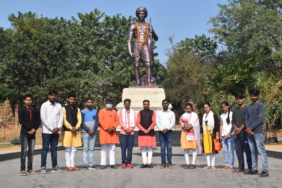 एबीवीपी ने बिरसा मुंडा की जयंती को जनजातीय गौरव दिवस के रूप में मनाया