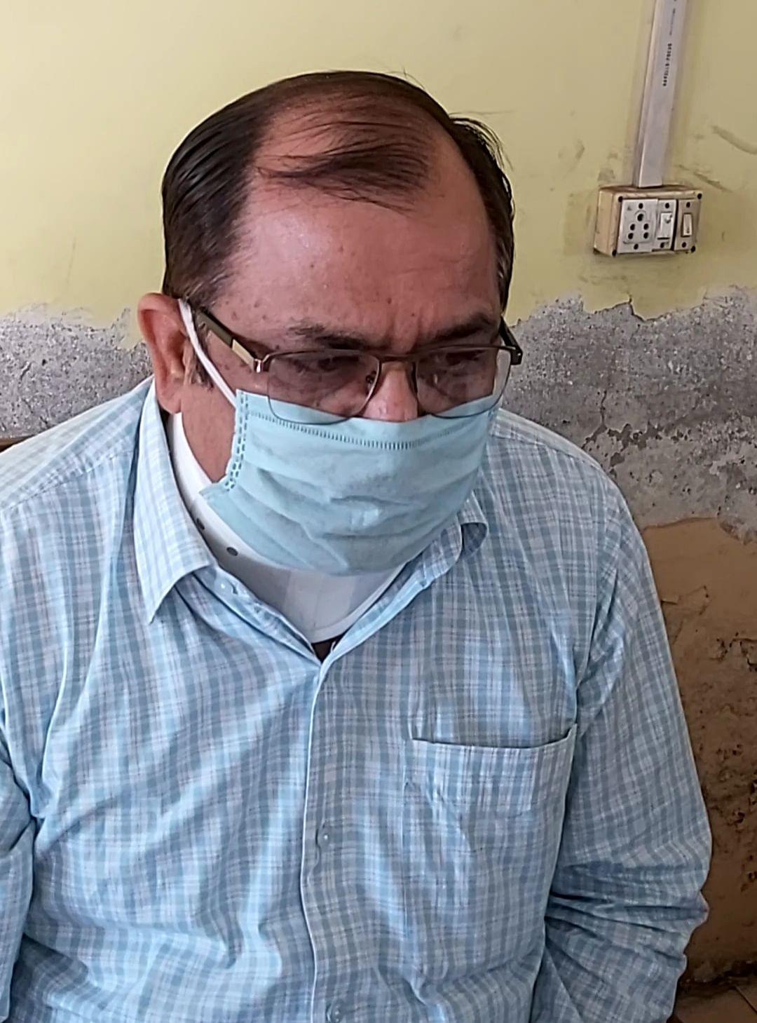 कानपुर : झकरकटी बस स्टैंड में कोविड 19 जांच का लगा निशुल्क जांच शिविर