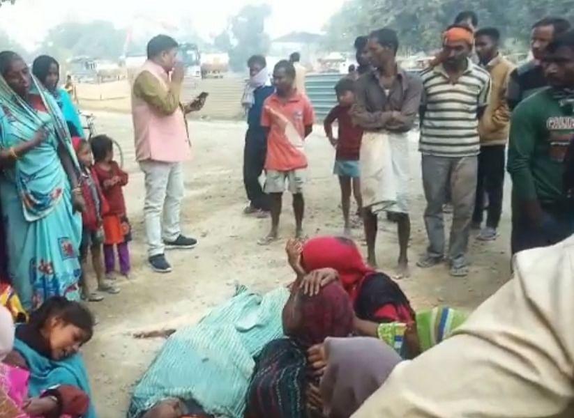 वाहन से कुचलकर दूध विक्रेता की मौत, गुस्साए ग्रामीणों ने की आगजनी