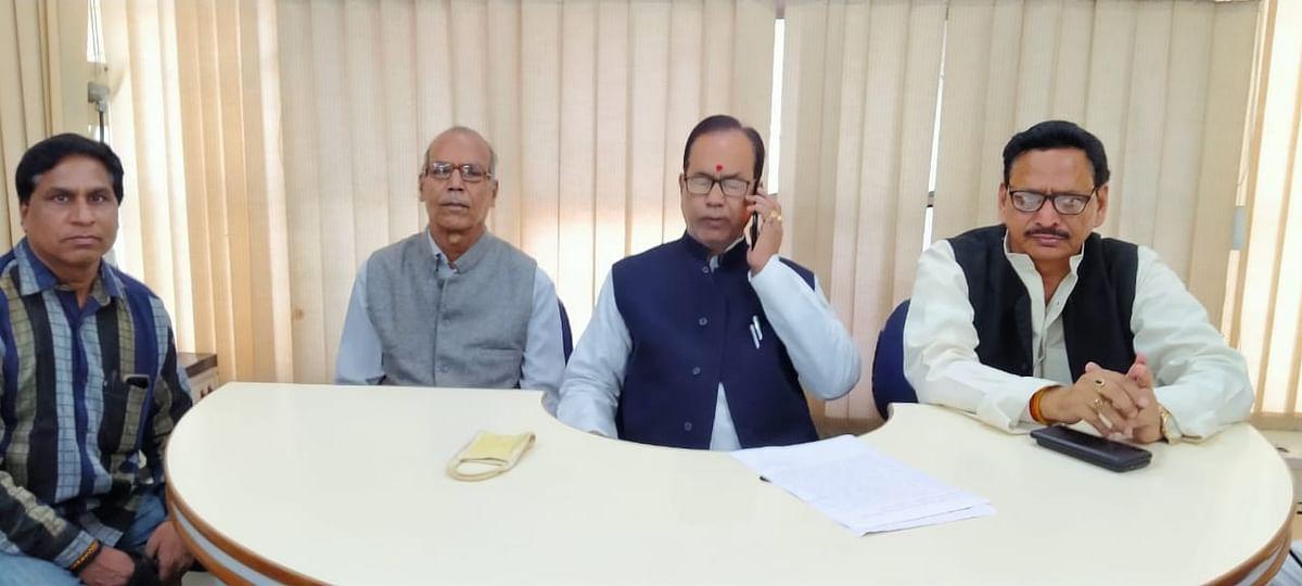 एमएलसी चुनाव: माध्यमिक शिक्षक संघ पांडेय गुट ने डॉ प्रमोद कुमार मिश्र को दिया समर्थन