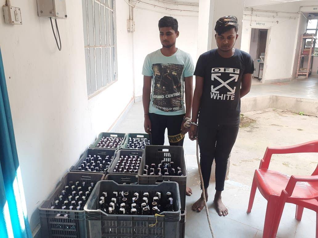 भारी मात्रा में शराब बरामद, दो गिरफ्तार