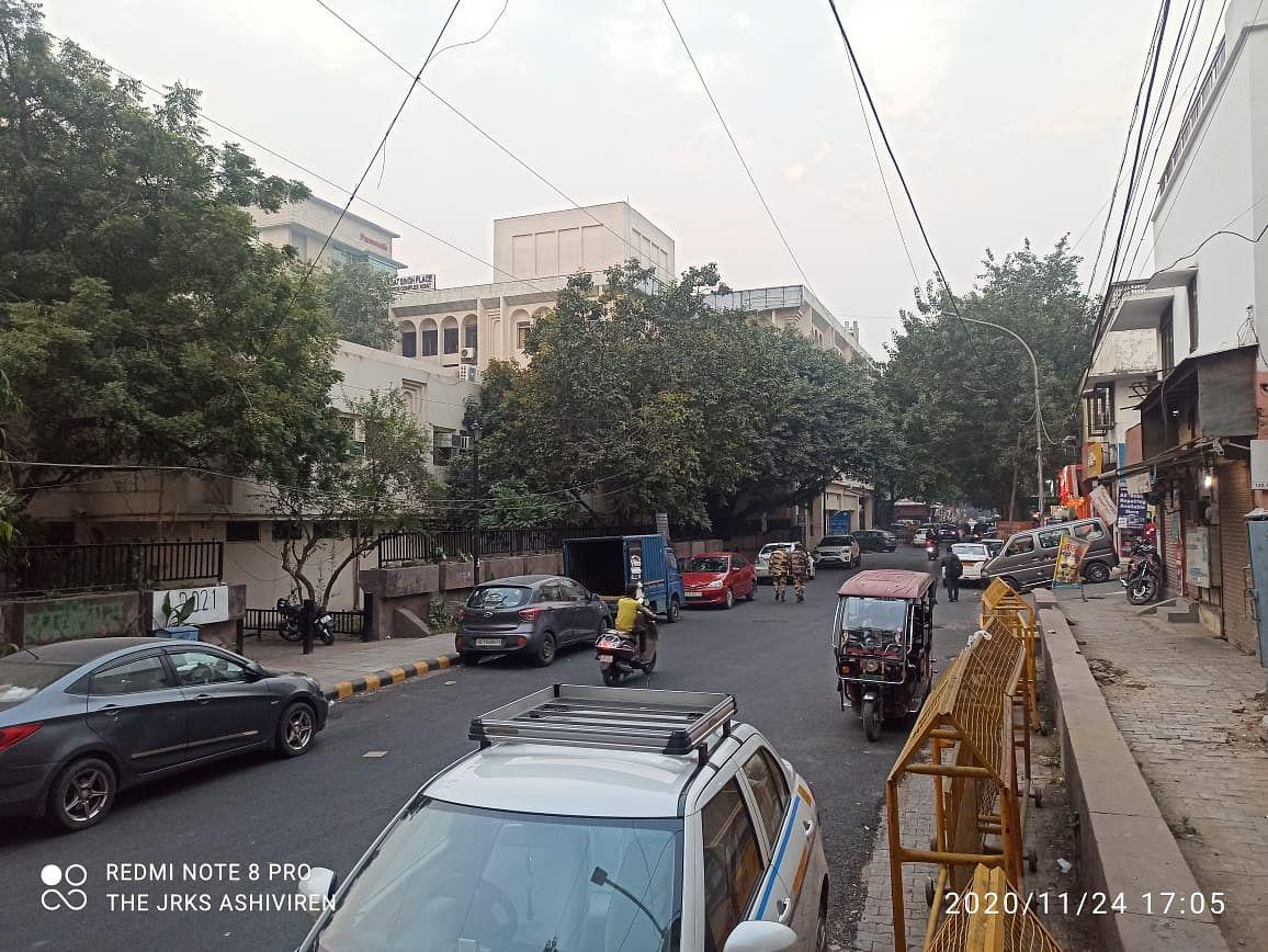 राजधानी में मौसम बदली रंगत, दिनभर छाए रही आसमान में धुंध, आने वाले दिनों में ठंड बढ़ने के आसार