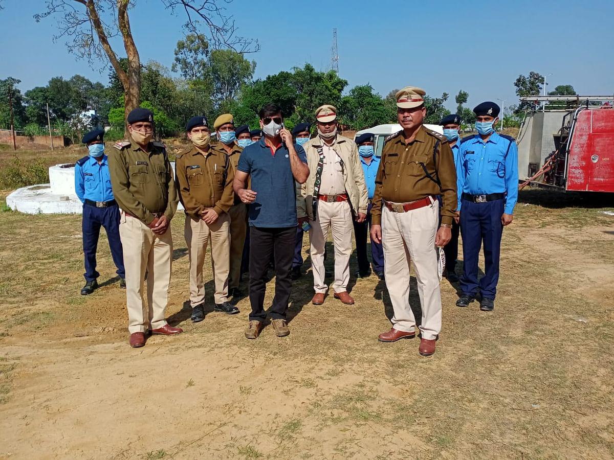 उप महानिदेशक मयंक श्रीवास्तव ने सूरजपुर में किया फायर स्टेशन का निरीक्षण