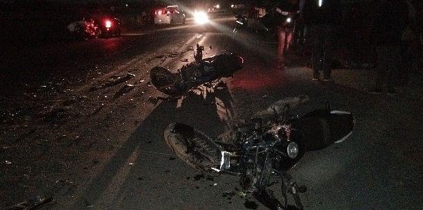 दो बाइकों में आमने-सामने भिड़ंत,एक की मौत दूसरा गंभीर