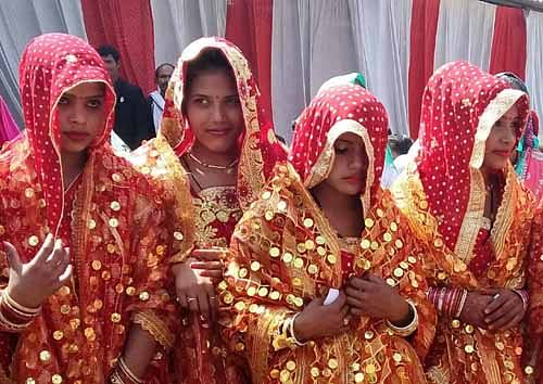 हमीरपुर:सर्दियां शुरु होते ही कोरोना संक्रमण की दूसरी लहर शुरु, शादी की तैयारियों को लेकर असमंजस
