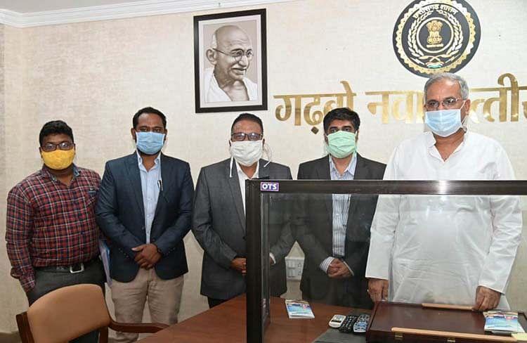 मुख्यमंत्री से मिला दलित इंडियन चैंबर ऑफ कॉमर्स एंड इंडस्ट्रीज का प्रतिनिधिमंडल