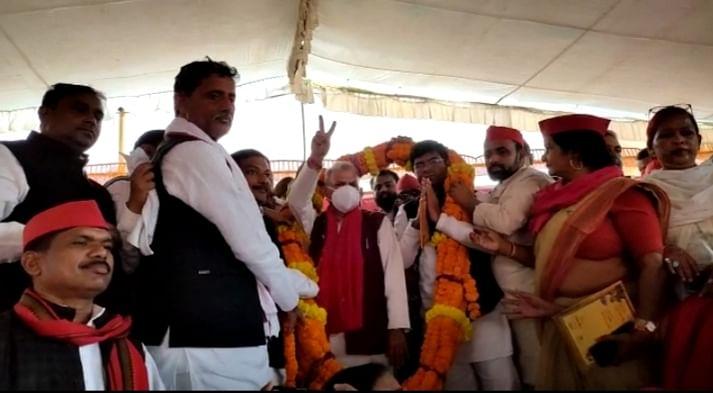 उपचुनाव में भाजपा की जीत प्रशासनिक फेरबदल से हुई: नरेश उत्तम पटेल