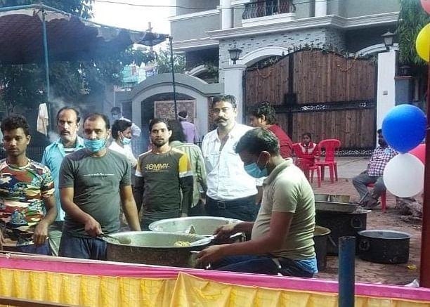शिवपुरी में भोलेनाथ मंदिर पर हुआ अन्नकूट का आयोजन