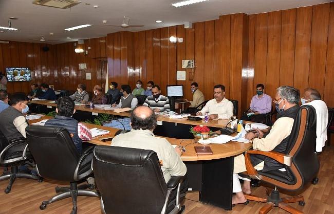 स्कूलों और आंगनबाड़ी केंद्रों में दिसम्बर तक पेयजल उपलब्धता का लक्ष्य पूरा करेंः मुख्यमंत्री