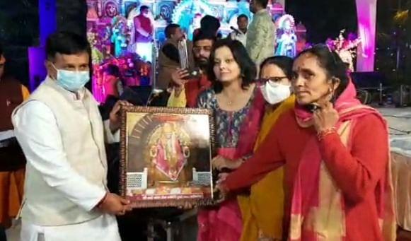 राज्यमंत्री सिंघल ने किया कोरोना योद्धाओं का सम्मान