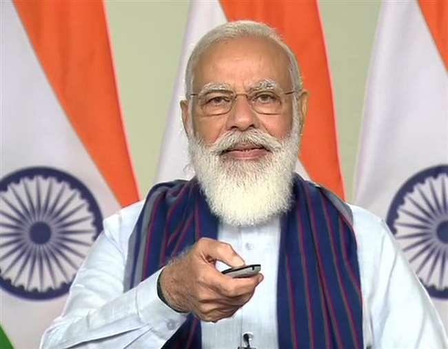 प्रधानमंत्री मोदी ने योगी के कार्यों को सराहा, कहा उप्र की छवि बदली है