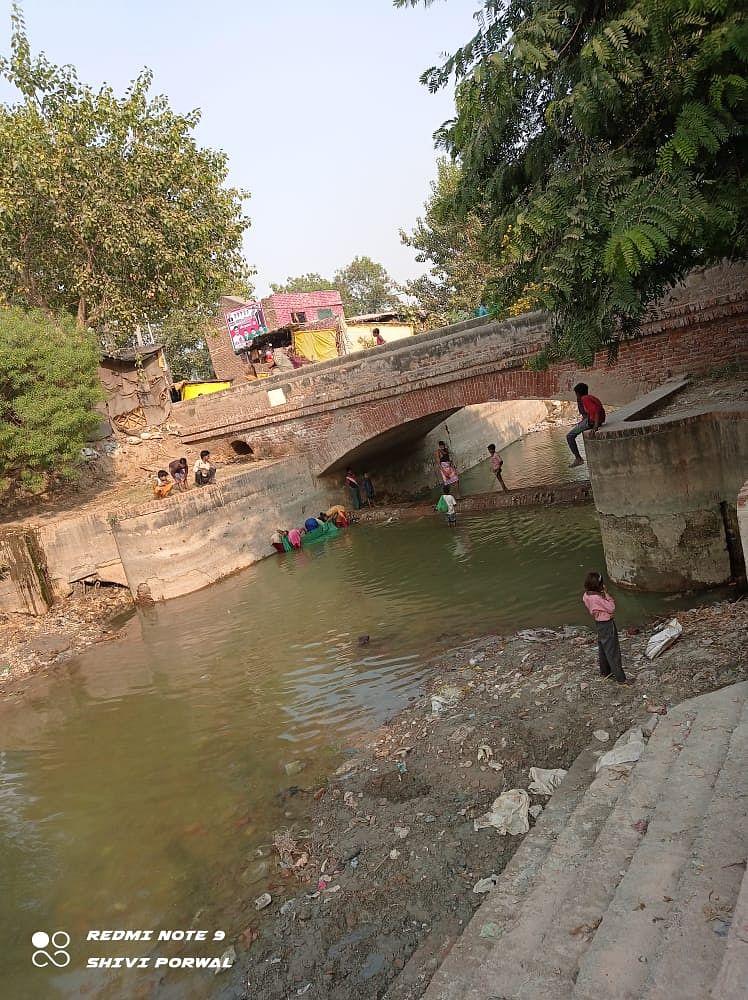 औरैया : निचली गंग नहर में पानी ना आने से किसान पलेवा के लिए परेशान