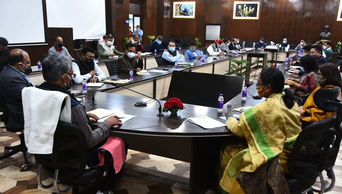 मुख्यमंत्री ने विभागीय सचिवों को दिये योजनाओं के प्रभावी क्रियान्वयन के निर्देश