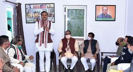 स्नातक एमएलसी चुनाव: भाजपा, निर्दल, सपा के प्रत्याशियों में त्रिकोणीय टक्कर
