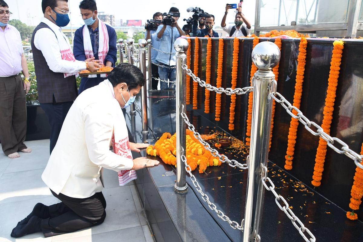 9वीं पुण्यतिथि पर सीएम ने डॉ भूपेन हजारिका को दी श्रद्धांजलि